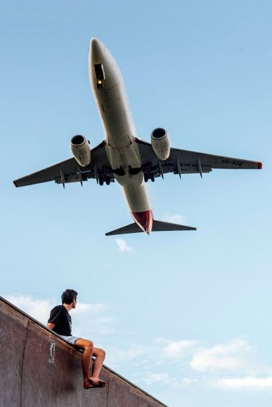 Как функционирует Planefinder и как отслеживает самолеты