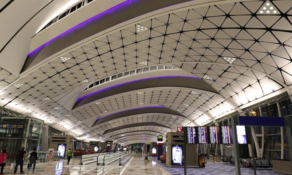 Аэропорт Гонконг, Китай