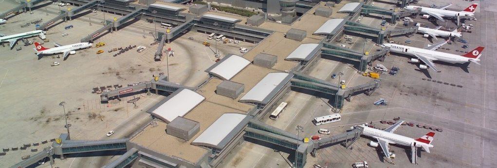 Табло вылета нового аэропорта Стамбула