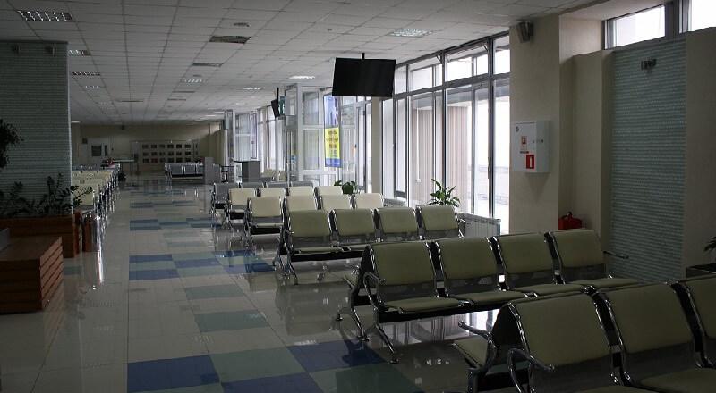Зал ожидания аэропорта Южно-Сахалинск