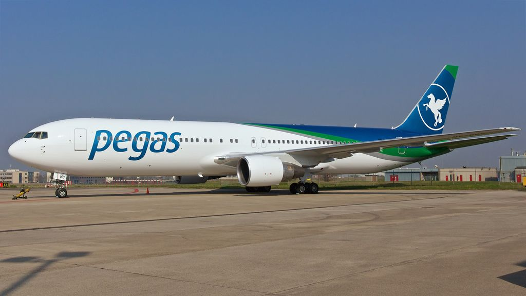 «Пегас Туристик» самолеты компании