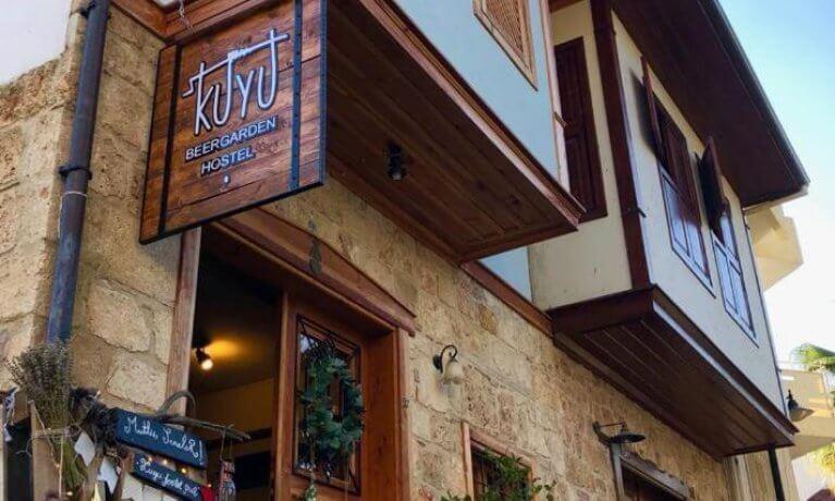 Kuyu Beergarden Hostel