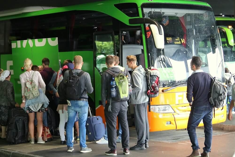 Посадка на автобус Фликбас